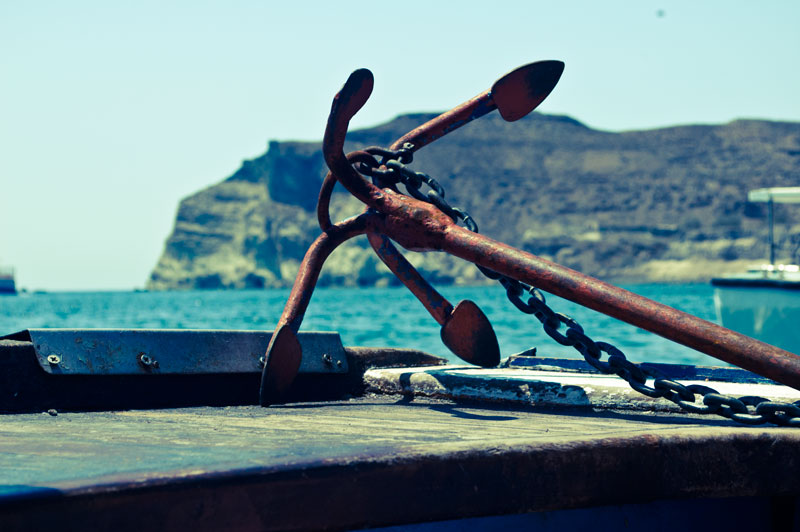 greek_islands_boat_anchor1
