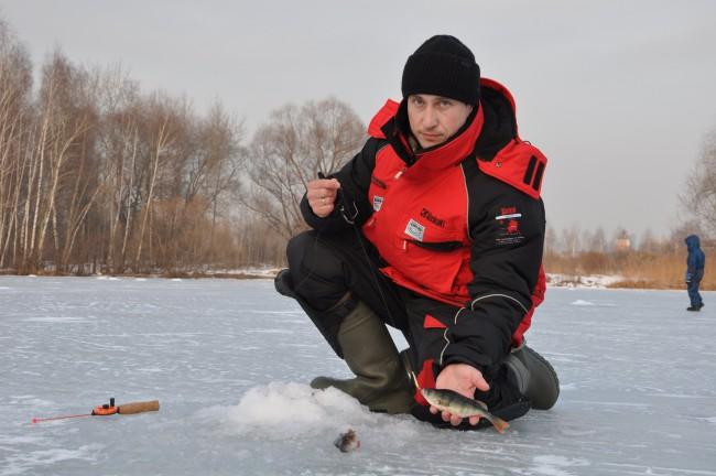 зимняя экипировка рыбака