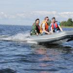 Варианты страховки мотора на транце лодки
